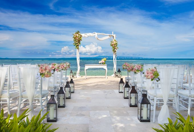 Beach Wedding by The Laguna Resort and Spa, A Luxury Collection - 001