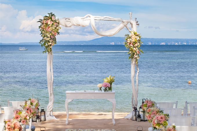 Beach Wedding by The Laguna Resort and Spa, A Luxury Collection - 002