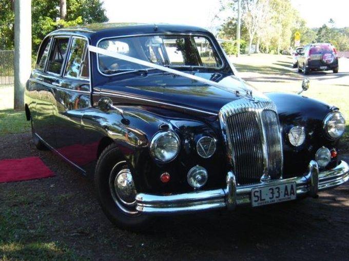 Classic Daimler major Magestic Wedding Car by Tic Tac Tours & Premier Limousines - 004