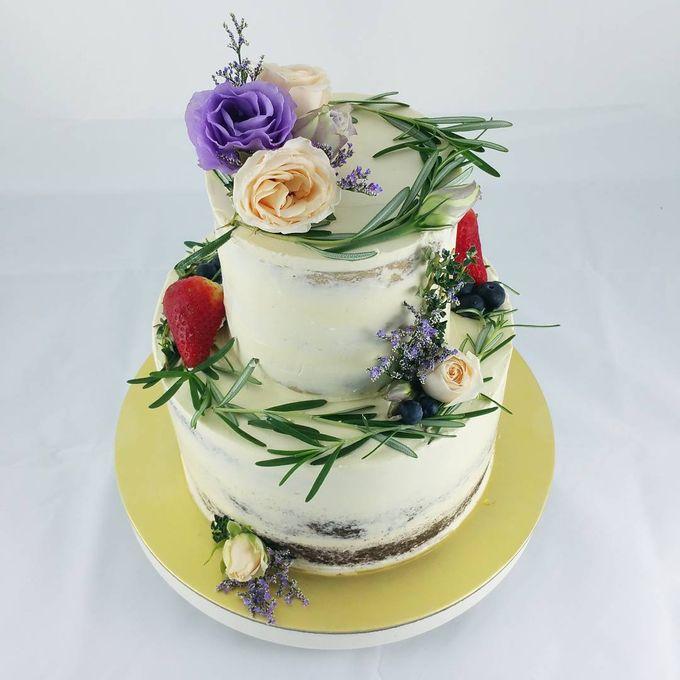 Floral Botanical Wedding Cake by Orange Maple Bakery - 001