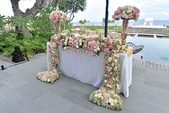 Elegant Wedding for Donna & Ricky by magical blossoms - 014