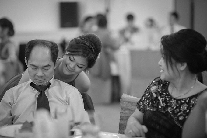 When an English gentleman meets a woman from Downunder by Feelm Fine Art Wedding Photography - 048