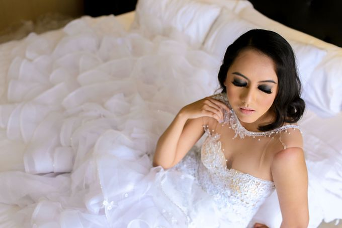 Pre-wedding Makeup by Yenny Lee Bridal Couture - 002