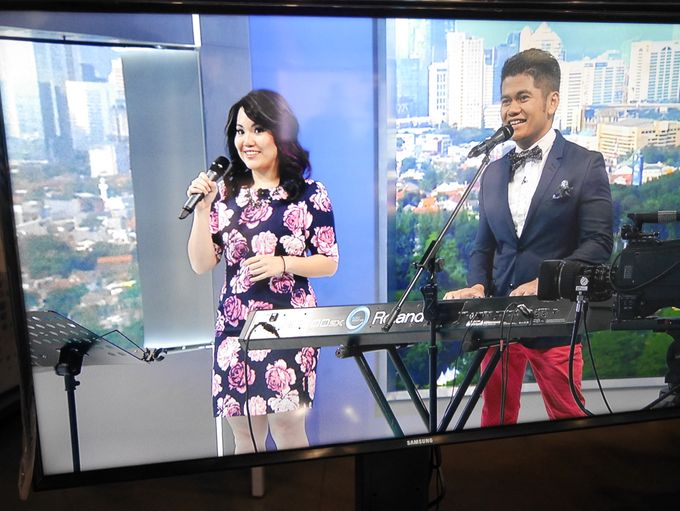 Kompas TV Interview and Performance by ShiLi & Adi - 003