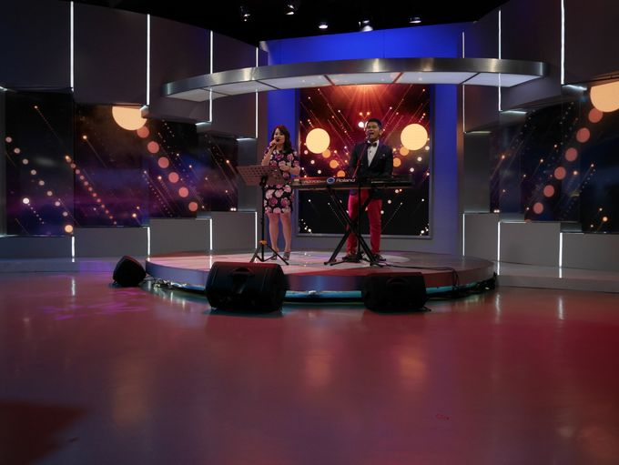 Kompas TV Interview and Performance by ShiLi & Adi - 005
