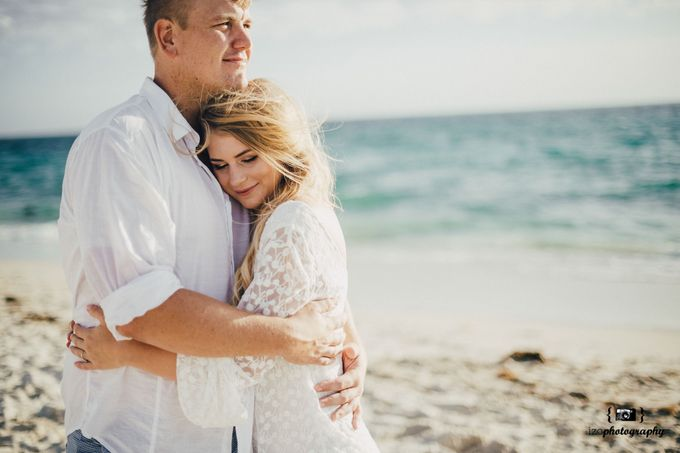 Riechanne and Travis Engagement Session by iZO Photography - 011