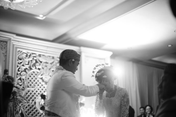 Cynthia & Raditya Wedding by Diera Bachir Photography - 009