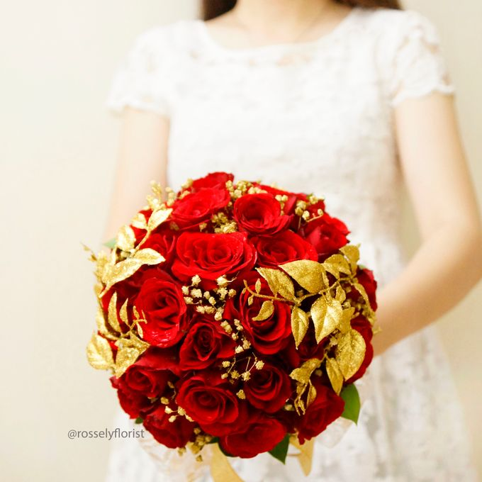 Red theme wedding by Rossely's Florist - 001