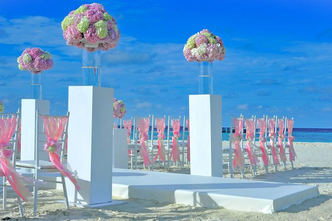 Amy & David's Dream Destination Wedding in Maldives. by Asad's Photography - 004