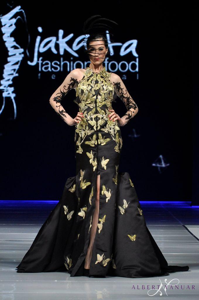 SPRING SUMMER 2015 MINERALOID - Jakarta Fashion & Food Festival by Albert Yanuar - 012