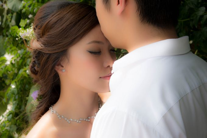 Bridal Makeup and Hairstyling for Pre-Wedding Shoot - Elegant, Youthful and Natural by Sylvia Koh Makeup and Hairstyling - 003