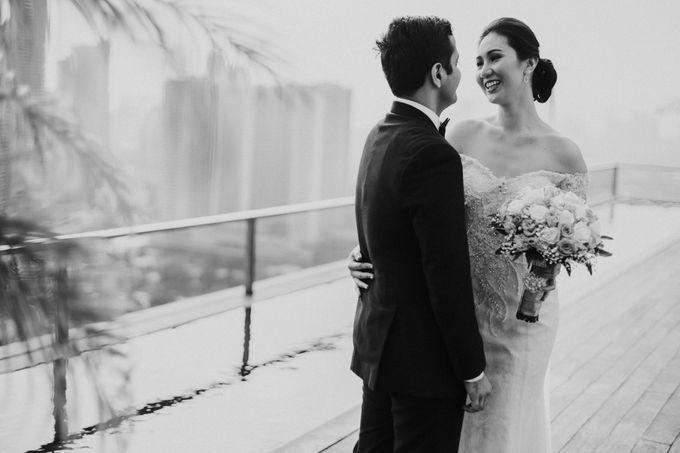 Yayaati and Sam Rooftop Wedding by James Morrison Photo - 030