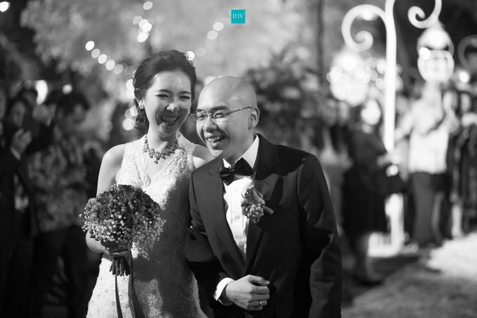 Sugi Henny Wedding Photo By Jhv Studios Cinematic Wedding Videography Bridestory Com