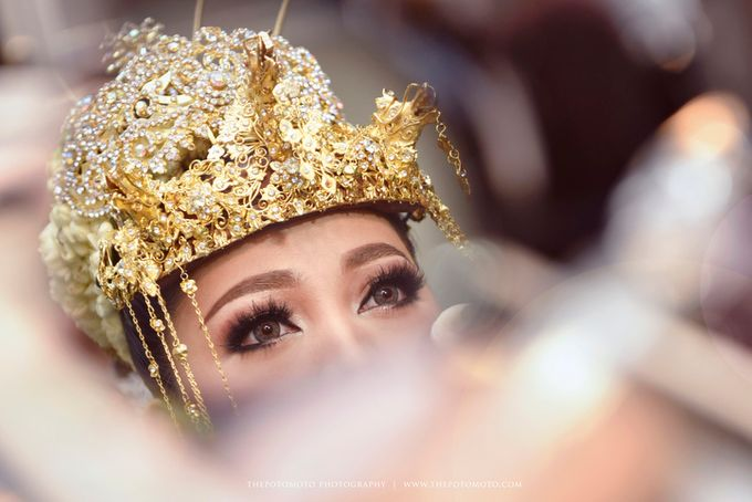 Emma + Bagus Wedding by Thepotomoto Photography - 018