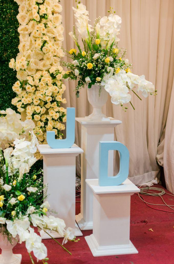 Jason and Dewie Wedding by Mozaic Creatives - 011