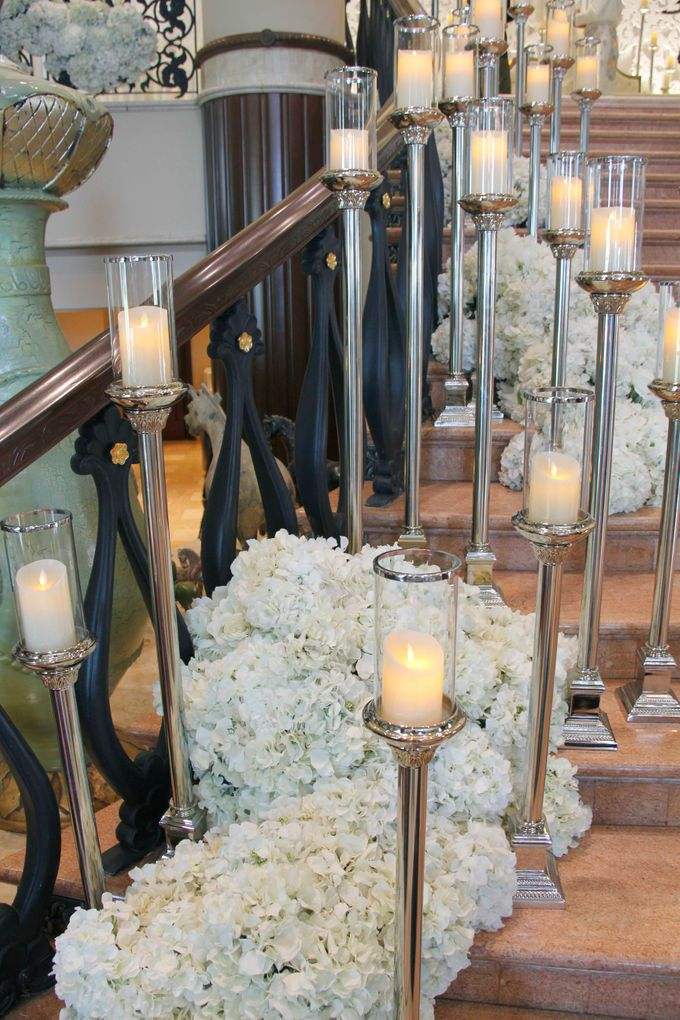 Weddings at Grand Salon Lobby Lounge by Palace of the Golden Horses - 004