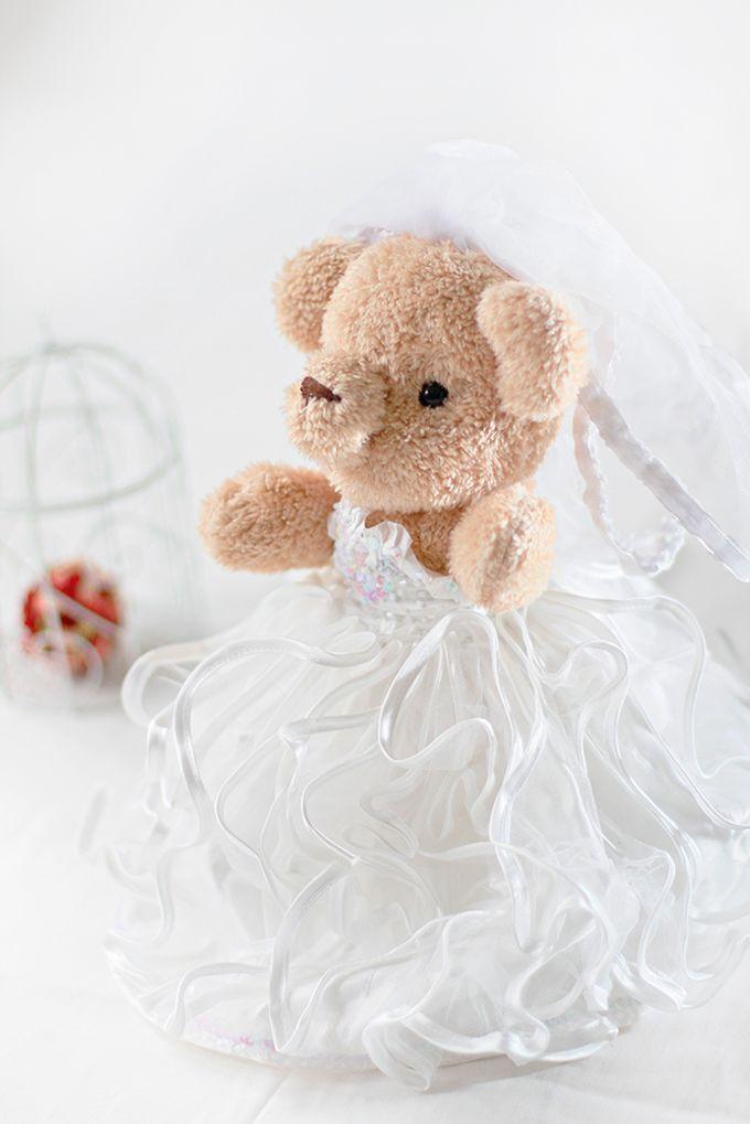 Glamorous wedding bear by Petite Crafts - 003