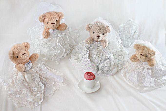Glamorous wedding bear by Petite Crafts - 001