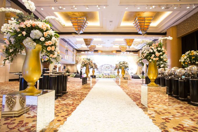 The Wedding of Ridwan & Cindy  Grand hyatt by The Swan Decoration - 012