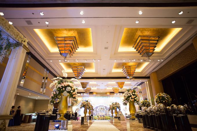 The Wedding of Ridwan & Cindy  Grand hyatt by The Swan Decoration - 013
