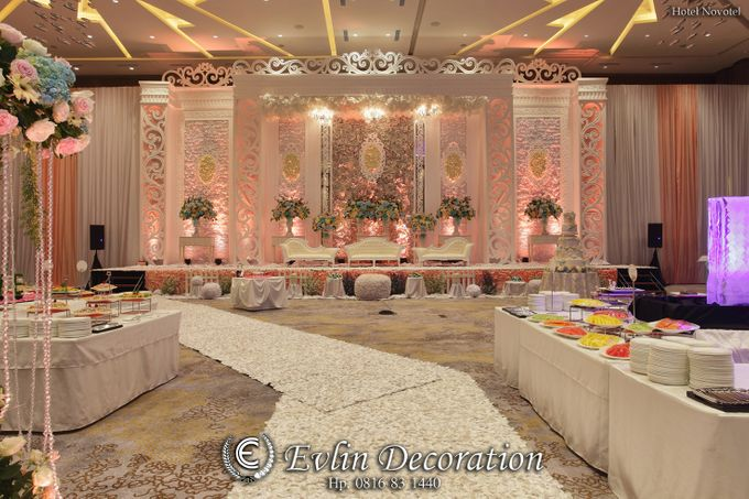Lung lung andrea wedding by evlin decoration bridestory add to board lung lung andrea wedding by novotel tangerang 001 junglespirit Choice Image