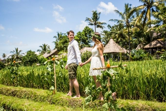 BALINESE WEDDING BLESSING IN THE RICE FIELD by Wapa Di Ume - 003