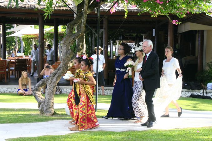 Annisa & Wikdhal Wedding at The Westin Bali by The Westin Resort Nusa Dua, Bali - 002
