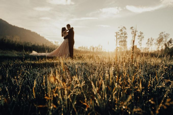 The Prewedding of Ferian and Sylvia - Bandung by Lighthouse Photography - 024