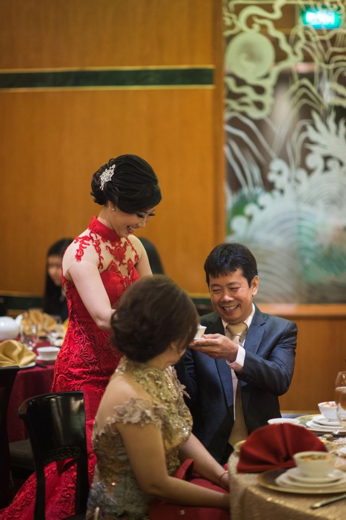 The engagement of Jessica & Hans at Lung Yuan Restaurant by Sheraton Surabaya Hotel & Towers - 003