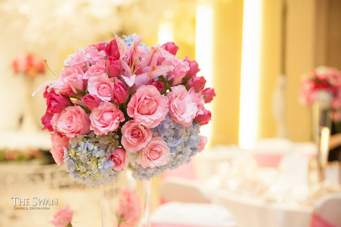 The Wedding of Tyna & Fendi - Pullman Thamrin by The Swan Decoration - 001