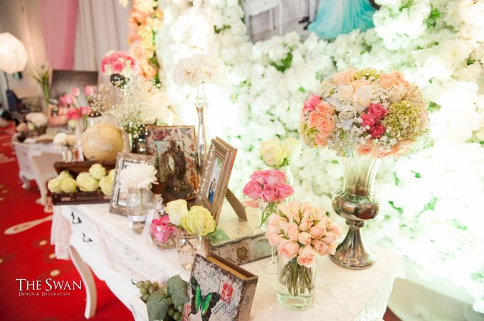 The Wedding of Ari and Wawa at Doubletree Hotel by Hilton by The Swan Decoration - 005