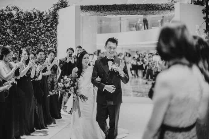 Raymond & Leonie Wedding Day by Wong Hang Distinguished Tailor - 023