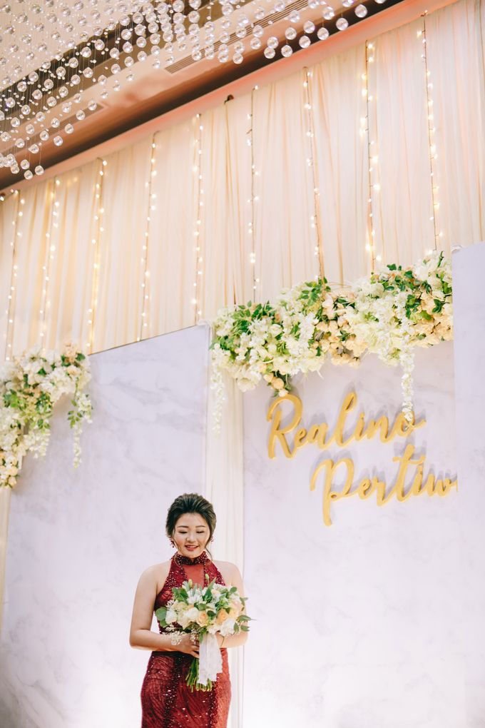ENGAGEMENT REALINO & PERTIWI by lovre pictures - 003