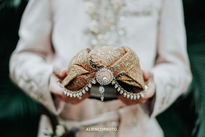 GKM GREEN TOWER WEDDING OF DESTY & RAMA by alienco photography - 043
