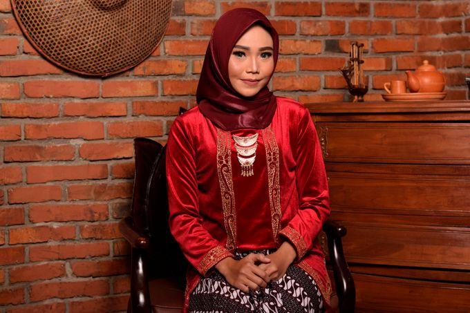 omg...so pretty with hijab by R & E Bridal - 025