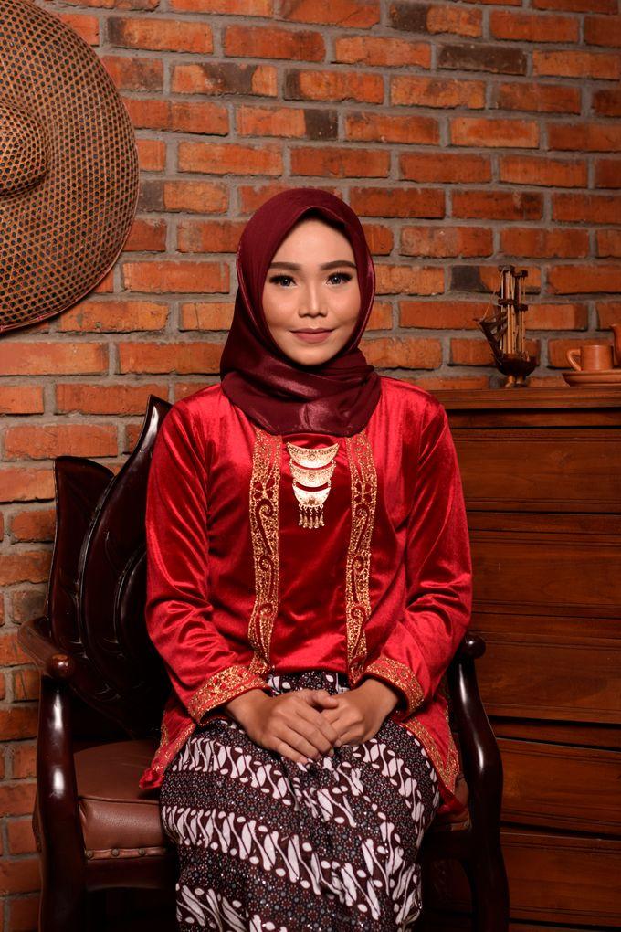 omg...so pretty with hijab by R & E Bridal - 015