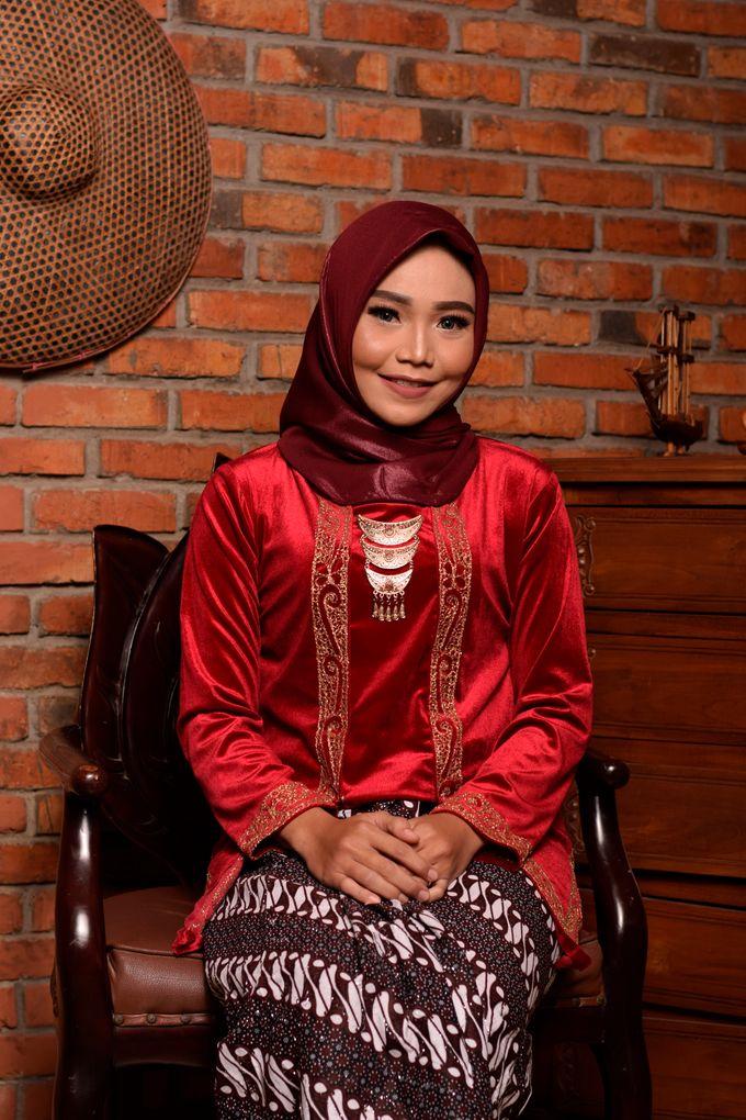 omg...so pretty with hijab by R & E Bridal - 018