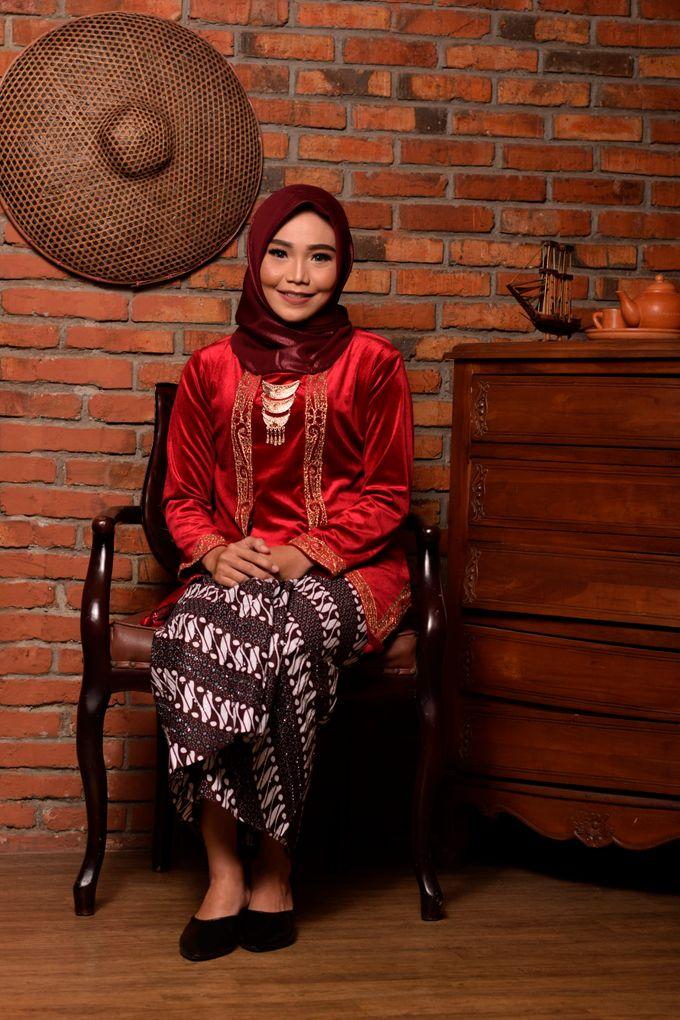 omg...so pretty with hijab by R & E Bridal - 016