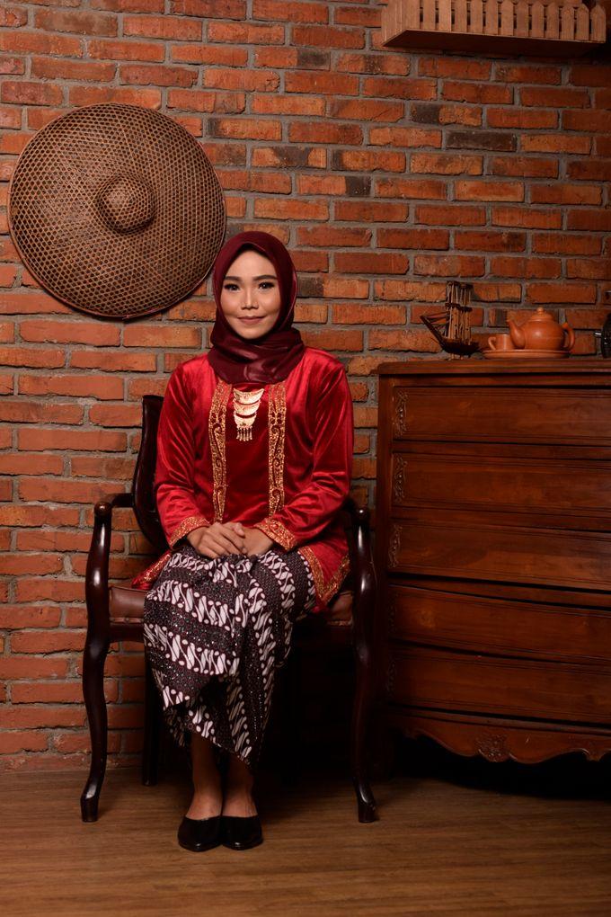 omg...so pretty with hijab by R & E Bridal - 022