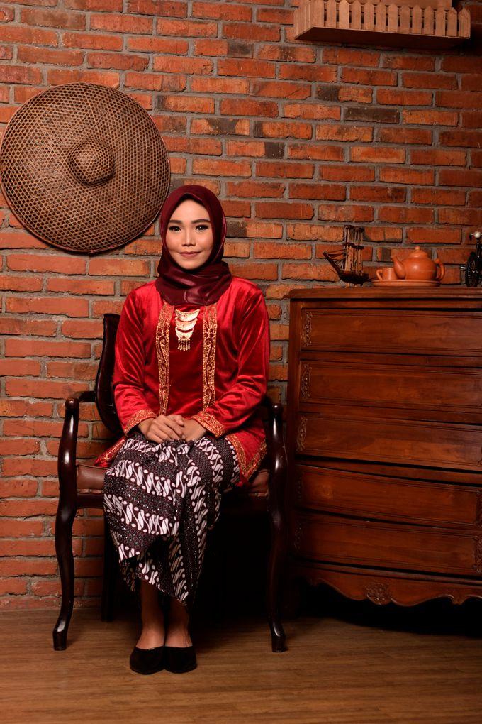 omg...so pretty with hijab by R & E Bridal - 017