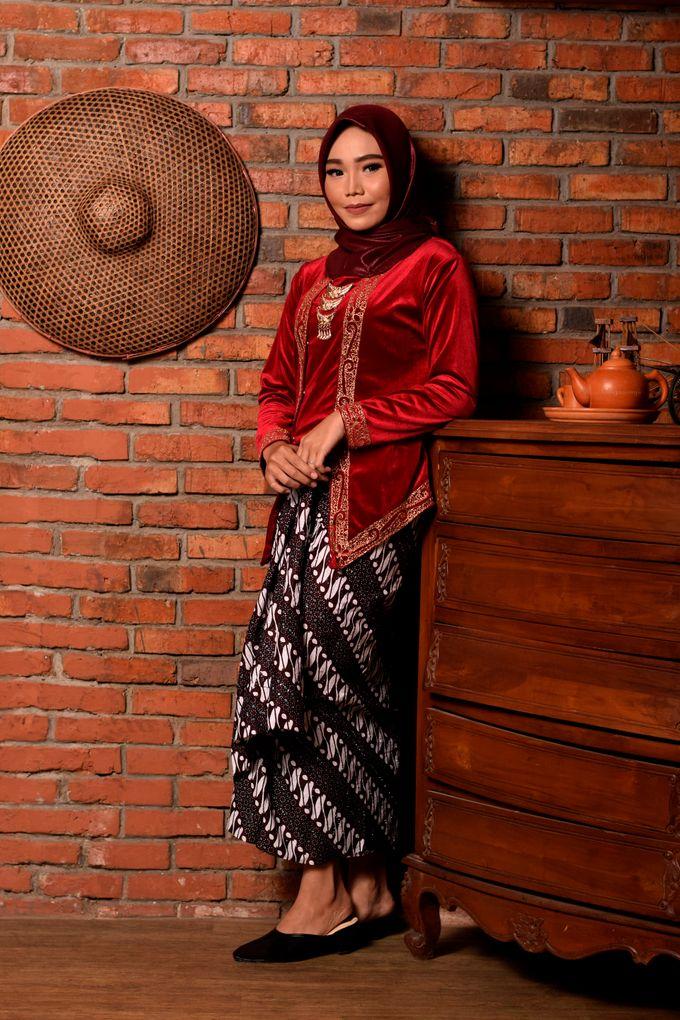 omg...so pretty with hijab by R & E Bridal - 020