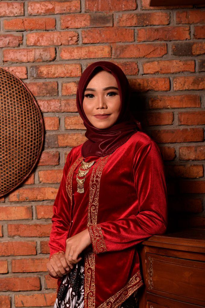 omg...so pretty with hijab by R & E Bridal - 019