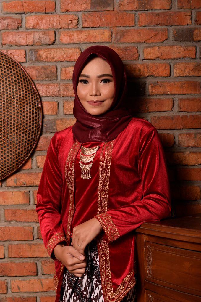 omg...so pretty with hijab by R & E Bridal - 021