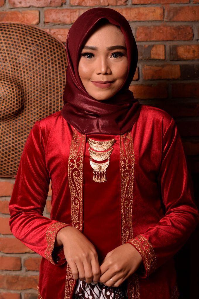 omg...so pretty with hijab by R & E Bridal - 030