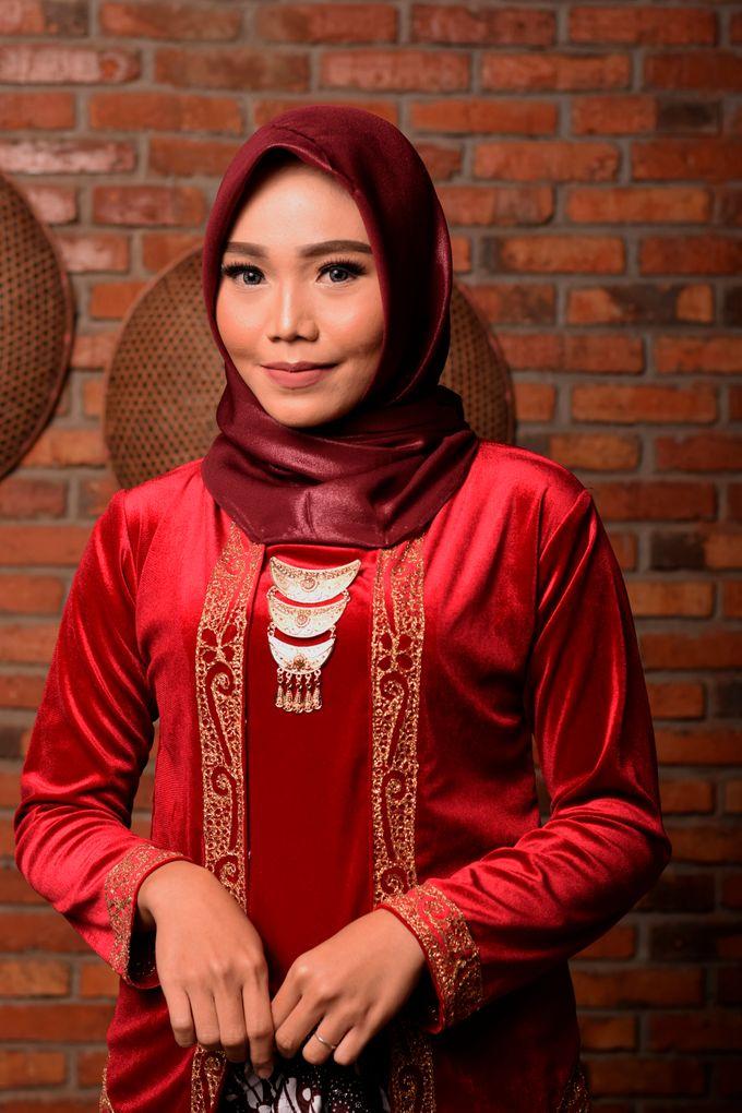 omg...so pretty with hijab by R & E Bridal - 007