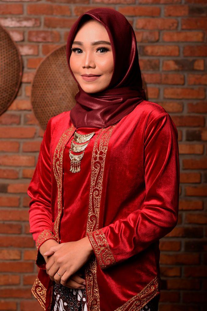 omg...so pretty with hijab by R & E Bridal - 009