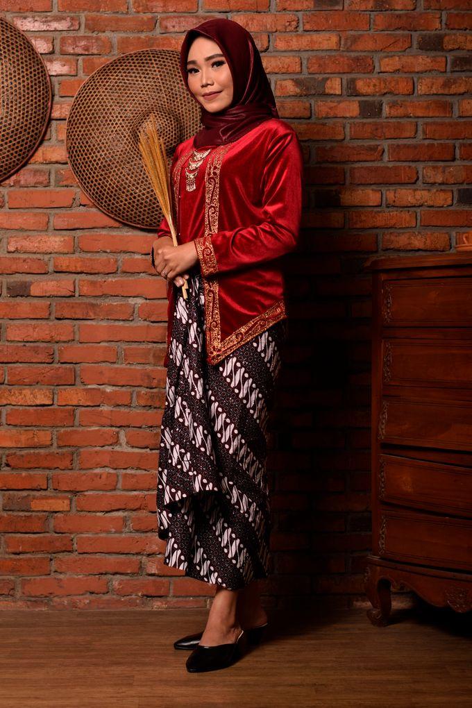 omg...so pretty with hijab by R & E Bridal - 011