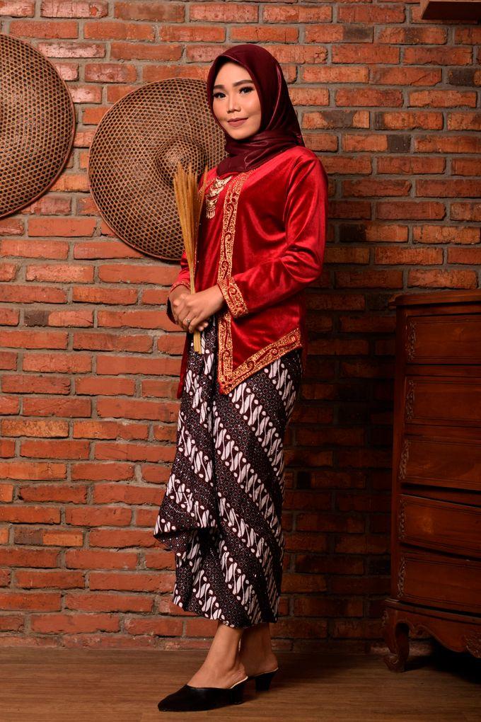 omg...so pretty with hijab by R & E Bridal - 008