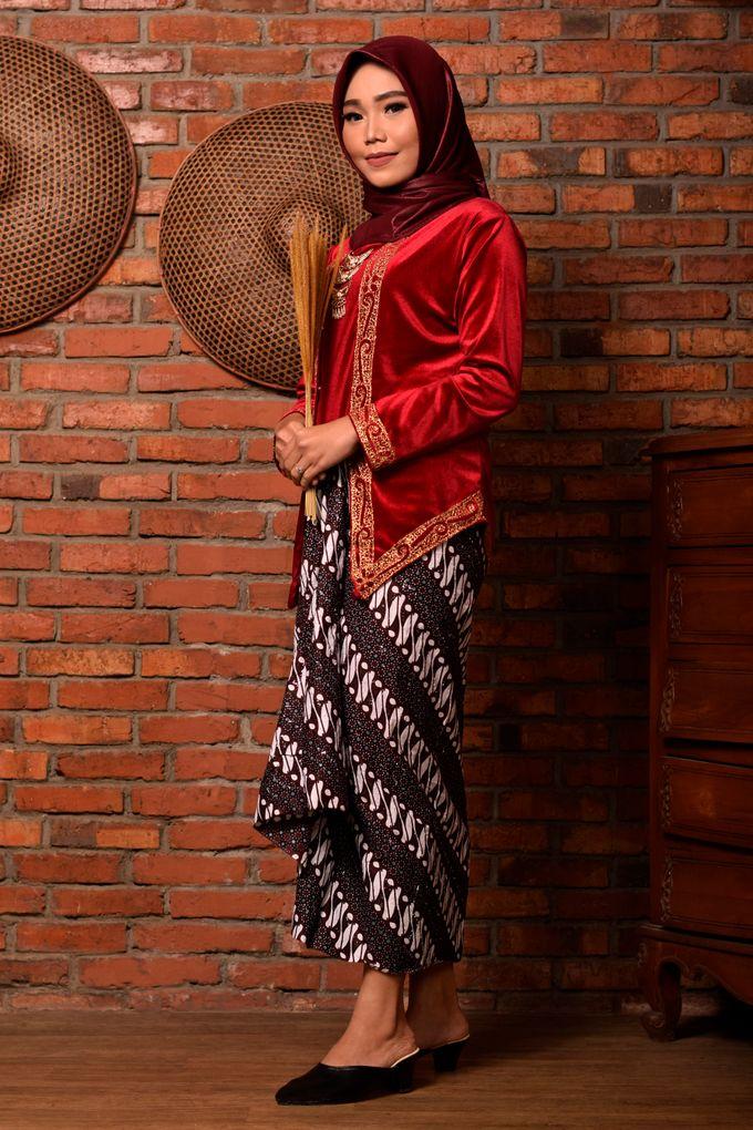 omg...so pretty with hijab by R & E Bridal - 012