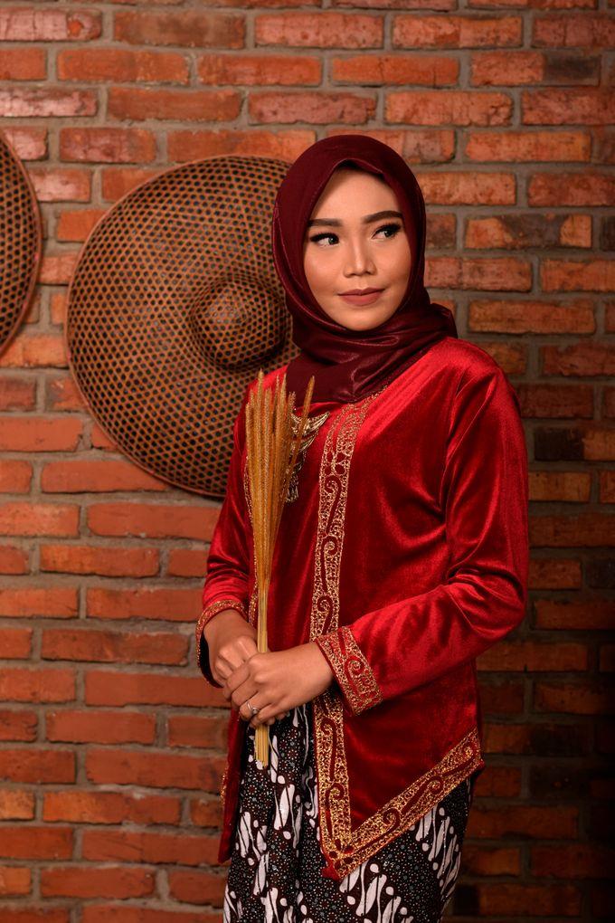 omg...so pretty with hijab by R & E Bridal - 014